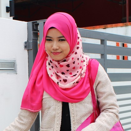 Quinn Instant Shawl Hot Pink with Heart Print