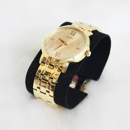 Guess U0716G3 Classic Stainless Steel Unisex Watch Gold